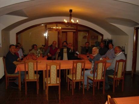 jednání ústřední rady CČSH- přípitek před večeří